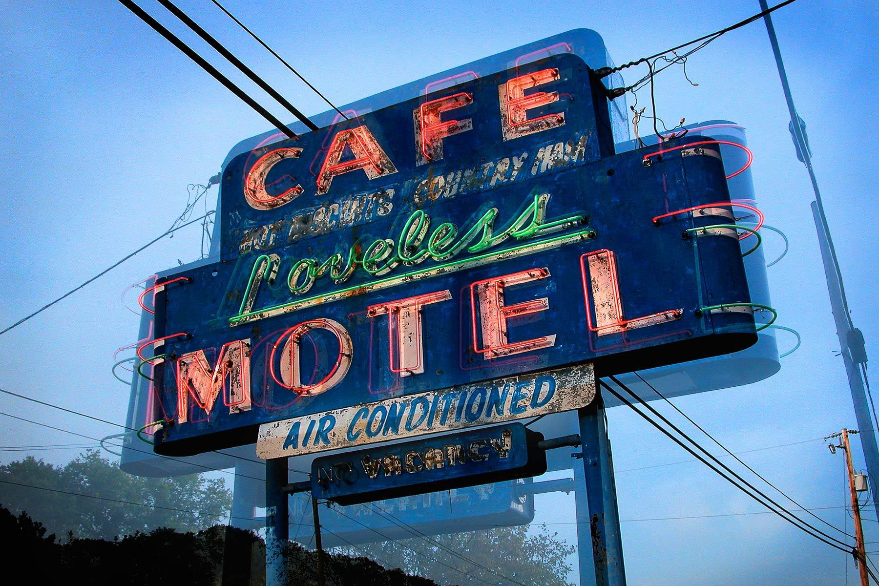8_0_5_1loveless_motel_neon